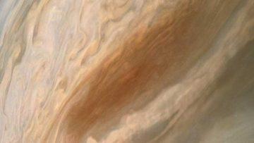 Sonda Juno: l'immagine della chitarra marrone